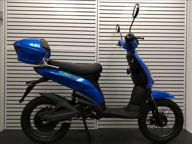 4) BLACK MAX ELECTRIC SWIFT BIKES, ELECTRIC BIKE W/STORAGE
