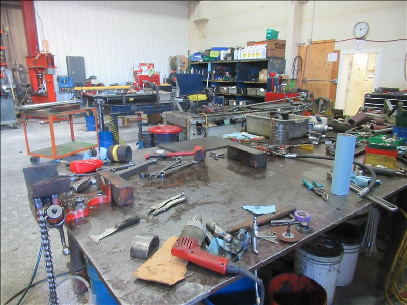 GROUP OF (3) HYDRAULIC CYLINDER ASSEMBLY TABLES TO INCLUDE